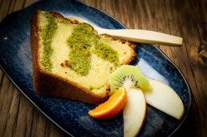 Okawali vous propose plusieurs desserts, dont ce gâteau à base thé vert et de chocolat blanc...