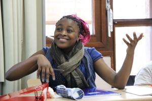 La classe d'accueil compte 24 collégiens, aux histoires, aux personnalités et aux nationalités différentes.