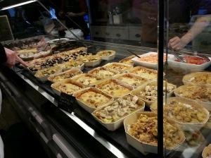 Une dizaine de plats différents est proposée chaque jour, à Malice et sens.