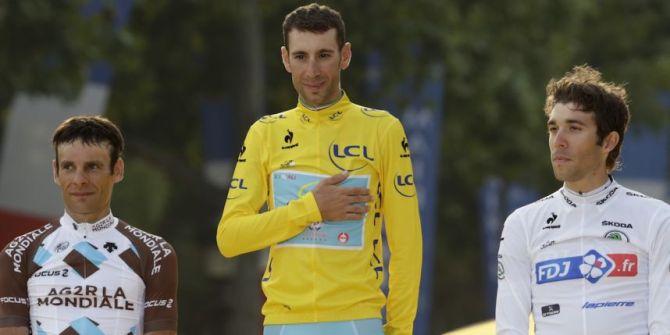 Deux Français (jean-Christophe Péraud, 2e, et Thinaut Pinot, 3e; sur le podium du Tour de France ? C'est... Historique. Photo DR